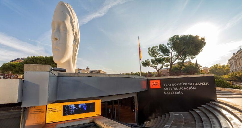 l Teatro Fernán Gómez estrena una imagen renovada tras las obras de mejora